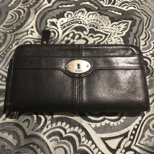 Fossil wallet used